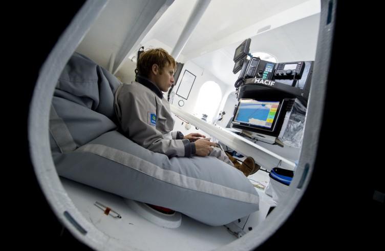 vend e globe 2012 13 sous contr le sous surfez sur l 39 actualit voile. Black Bedroom Furniture Sets. Home Design Ideas