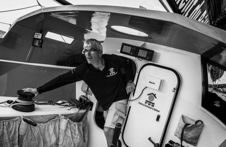 Monocoque IMOCA 60' PRB - Skipper : Vincent Riou -