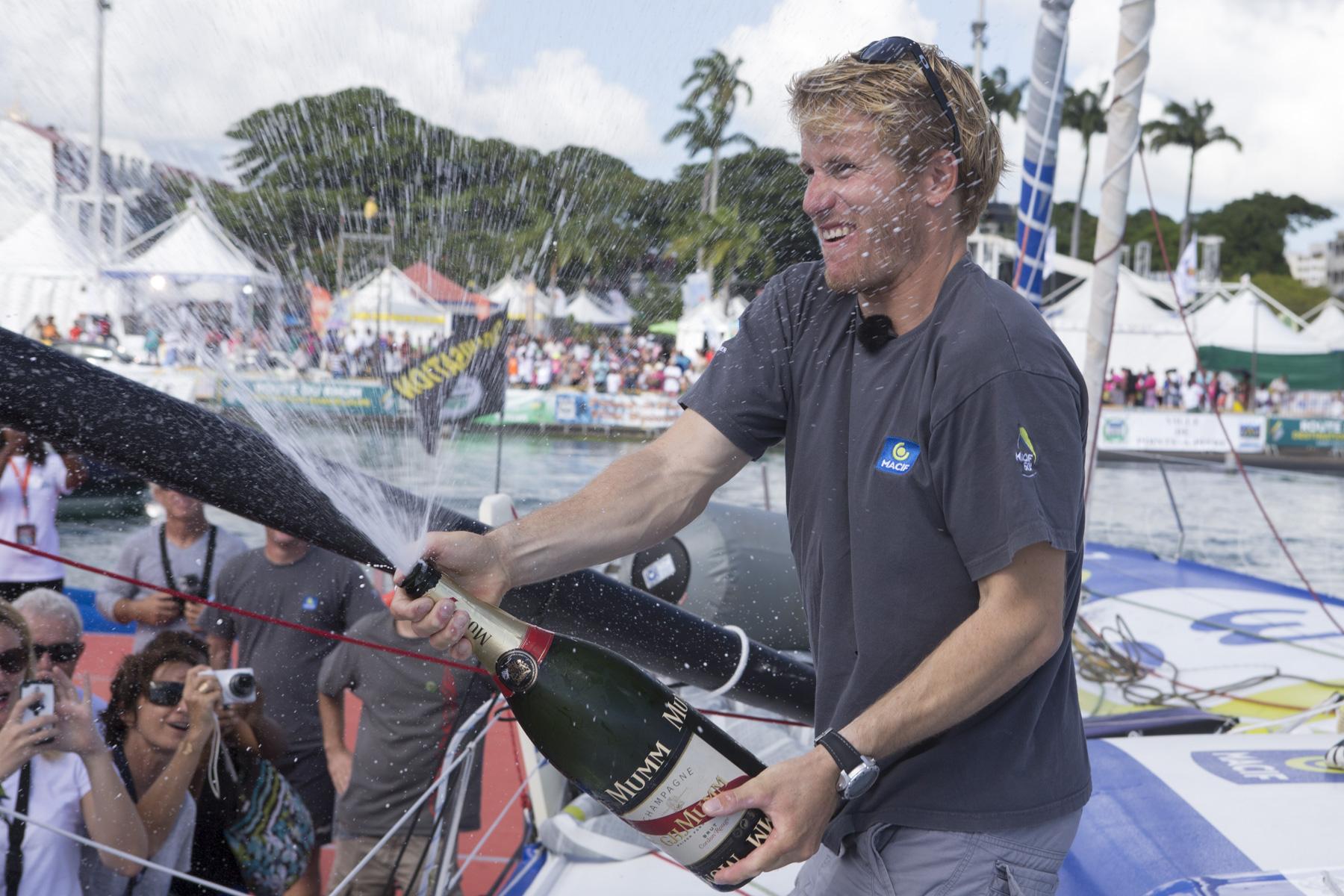 Francois Gabart (Macif) vainqueur de la categorie Imoca sur la Route du Rhum-Destination Guadeloupe 2014 en 12j 04h 38mn et 55 sec - Pointe a Pitre le 14/11/2014